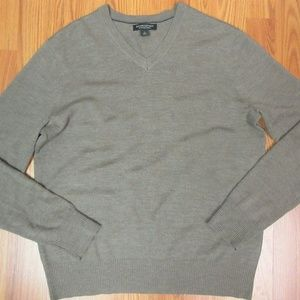 BANANA REPUBLIC Mens 100% MERINO WOOL V-NECK